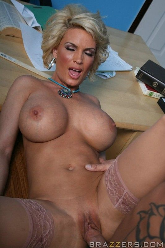 Candy manson in a lesbian pussy licking orgy - 1 part 9